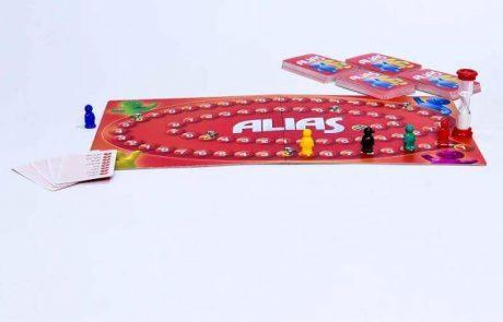 "<span class=""entry-title-primary"">חברת הקוביה משחקים משיקה את אליאס (ALIAS) – משחק קלפים משפחתי ומהנה של תיאור מילים</span> <span class=""entry-subtitle"">הסבירו את המילים תוך שימוש במילים אחרות, מילים נרדפות או הפכים</span>"