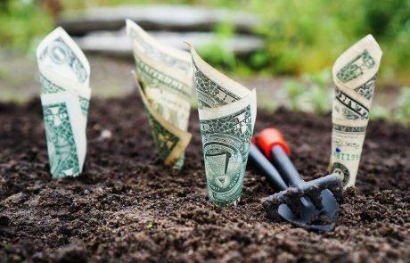 """<span class=""""entry-title-primary"""">השקעה נכונה של כסף בכל סכום – קטן, בינוני וגדול, יכולה לייצר ביטחון פיננסי ולשפר את איכות החיים</span> <span class=""""entry-subtitle"""">איפה להשקיע את הכסף? הנה ההבדלים בין אפיקי החיסכון הקיימים ומה היתרונות של כל אחד מהם לטווח הקצר והארוך</span>"""