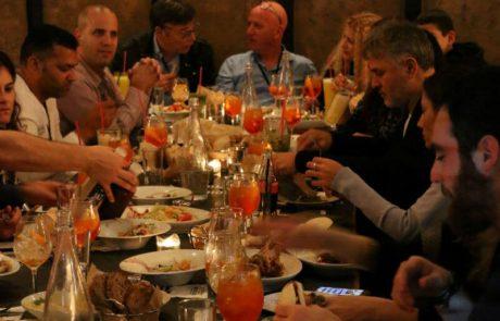 """<span class=""""entry-title-primary"""">ככה יעשה לאנשים שחפצים ביקרם: רשת BBB ערכה ארוחת שף מיוחדת וכשרה ללקוחות נבחרים</span> <span class=""""entry-subtitle"""">בפעילות VIP במסעדה בקרית גת אליה הוזמנו חברי מועדון וותיקים ונאמנים של הרשת</span>"""