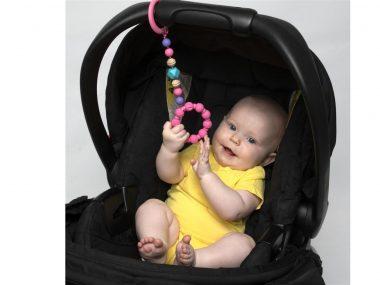 "<span class=""entry-title-primary"">מותג התינוקות האמריקאי המוביל NUBY מציג נשכן לתינוק.</span> <span class=""entry-subtitle"">ייחודו: עיצוב מקורי הנצמד באמצעות טבעת לעגלה ומבנה העשוי חרוזי סיליקון רכים ובטוחים לחלוטין .</span>"