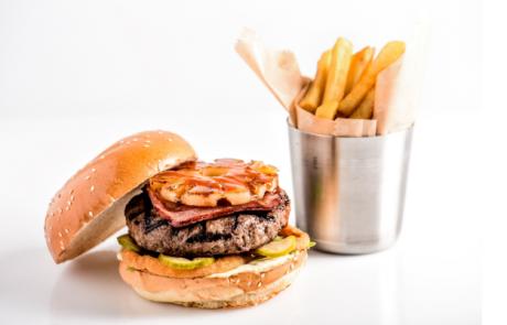 "<span class=""entry-title-primary"">לרגל יום האננס הבינלאומי רשת BBB מציעה מנה ייחודית – המבורגר הפלאוון.</span> <span class=""entry-subtitle"">המבורגר פלאוון עשוי מבשר בקר טרי מובחר, רצועות צרובות של פנצ'טה טלה.</span>"