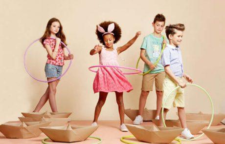 """<span class=""""entry-title-primary"""">ילדים לובשים גדולים – רשת סולוג השיקה את קולקציית הקיץ</span> <span class=""""entry-subtitle"""">קולקציה אופנתית, קלילה ונוחה השואבת השראה מקולקציית הגברים והנשים</span>"""