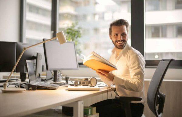 מגמות בשוק העבודה חושפות אפשרויות מעניינות וכמה אופציות למחפשי קריירה חדשה ומתגמלת