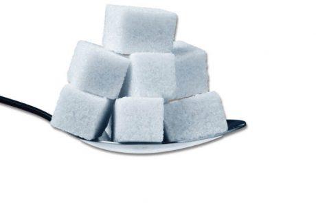 """<span class=""""entry-title-primary"""">""""המלכודת המתוקה של הסוכר"""" מביא מידע מרתק על הסכנות הבריאותיות שבצריכת כמויות סוכר</span> <span class=""""entry-subtitle"""">הספר מתייחס למחקרים שמוכיחים השפעת סוכר על התפתחות סרטן ואלצהיימר ונוגע בשפעתם של בעלי הון השולטים בתעשיית הסוכר</span>"""
