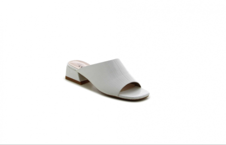 """<span class=""""entry-title-primary"""">רשת גלי משיקה – קולקציית נעלי נשים בצבע לבן.</span> <span class=""""entry-subtitle"""">קולקציית נעלי נשים מגוונת בצבע לבן חגיגי וקייצי המזוהה עם חג השבועות.</span>"""