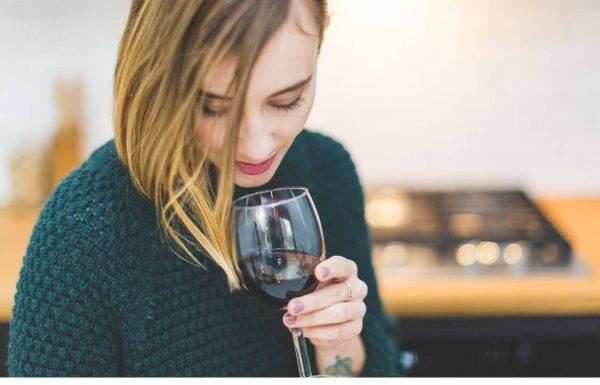 הנה ארבעה מיתוסים שכדאי לכם לדעת על שתיית יין. אז מה אמת ומה בדיה? בכתבה שלפניכם