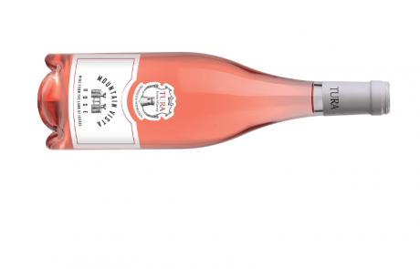 """<span class=""""entry-title-primary"""">יקב טורא מחדש לקראת חג שבועות – החג בלבן – עם יין רוזה חצי יבש 2017 – MOUNTAIN VISTA</span> <span class=""""entry-subtitle"""">היין מיוצר מענבי מרלו וקברנה פרנק. קל ונעים לשתייה ומתאים לארוחות קלות</span>"""