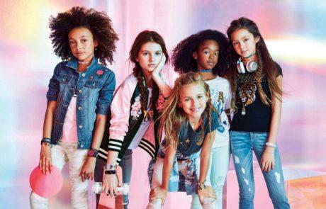 "<span class=""entry-title-primary"">רשת האופנה האמריקאית THE CHILDREN'S PLACEמציגה סנוניות לאביב 2018 לבנים ולבנות</span> <span class=""entry-subtitle"">מפריטי קז'ואל נוחים ליום יום ועד פריטים אופנתיים ועכשוויים למראה חגיגי לעונה הקרובה</span>"